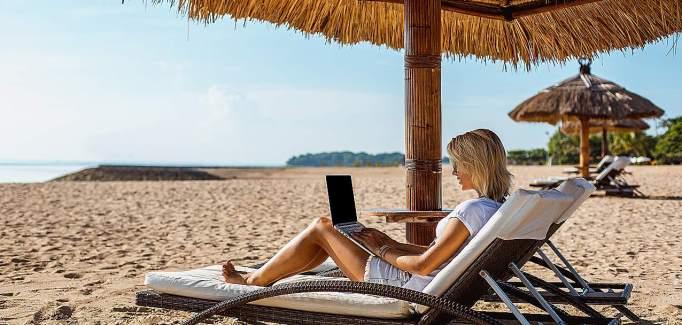 Kako si lahko organizirate delo na dopustu?