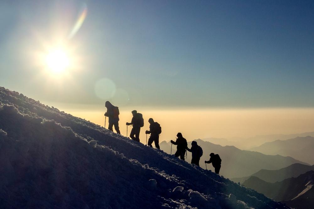 Eden od poklicev, kjer svoj najljubši dopust spremenite kar v službo, je zagotovo poklic gorskega vodnika.